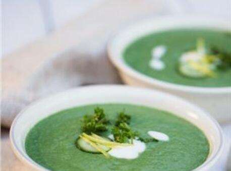 Spirulina creamy cleansing soup