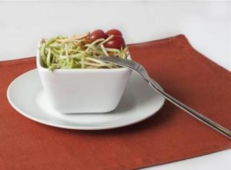 spirulina broccoli slaw salad